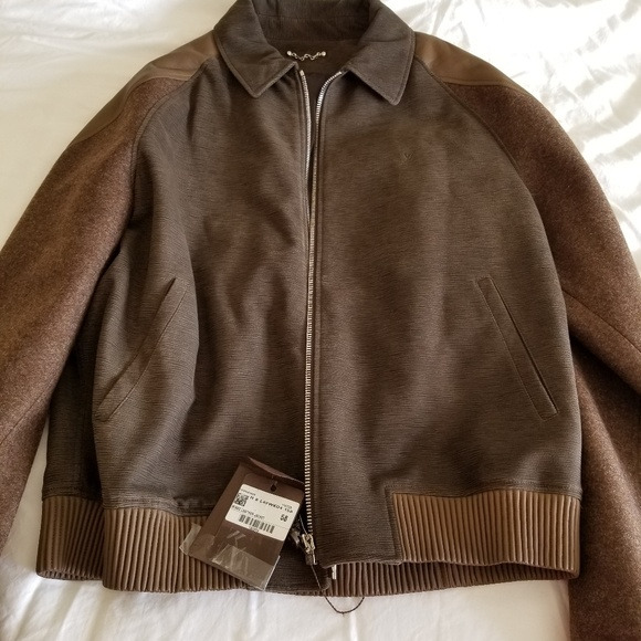 b5f8d1b592e5 Authentic brand new LV mens wool   leather jacket